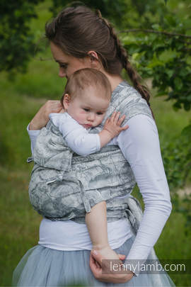 WRAP-TAI carrier Toddler with hood/ jacquard twill / 60% cotton 40% linen / LINEN GALLEONS BLACK & CREAM